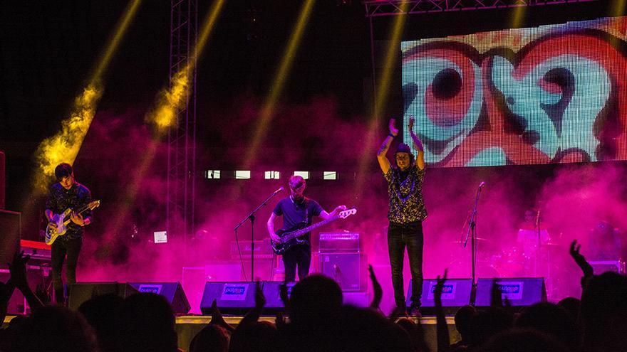 Nixon durante su concierto en el Pulpop Festival de Roquetas.