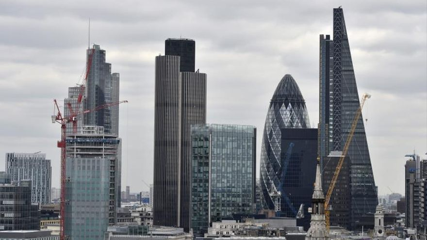 """La City de Londres teme a Corbyn, pero desconfía del """"brexit"""" de Johnson"""