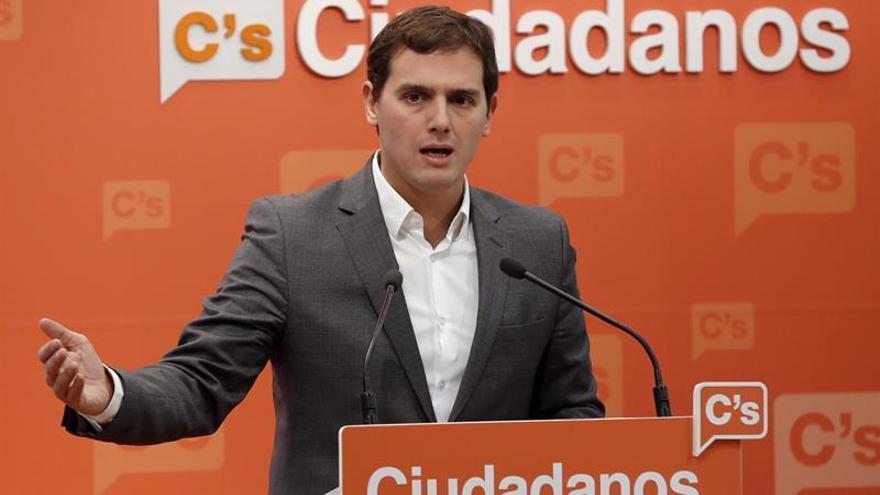 Rivera defiende cambio estatutario, que hace de C's la fuerza más democrática