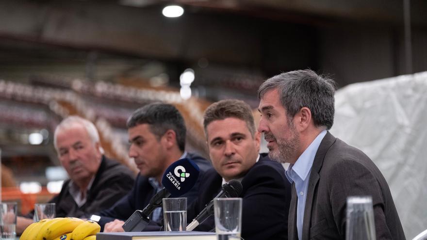 El presidente de Canarias, Fernando Clavijo, durante un acto celebrado en la Cooperativa Agrícola Llanos de Sardina, en el municipio de grancanario de Gáldar.