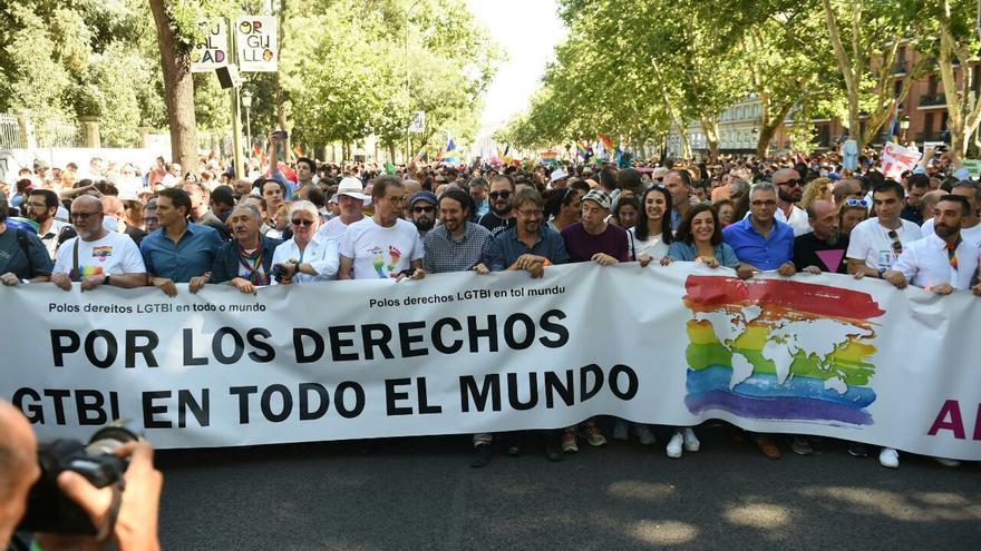Cabecera del desfile del Orgullo LGTBI 2017