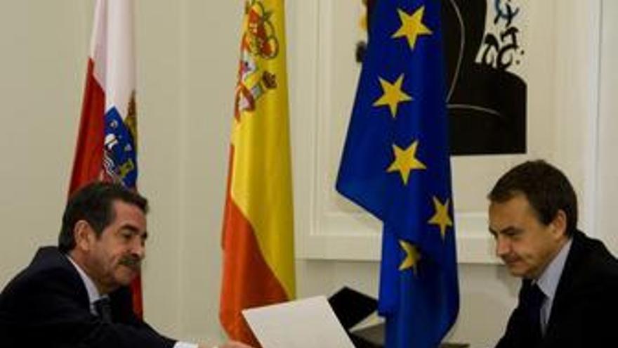 """Zapatero a Revilla: """"Mírame a la cara, aguanto hasta el final pase lo que pase"""""""