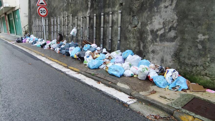 Las calles de Pasaia se llenan de basura por las protestas contra el PaP. Foto: Plataforma anti PaP.