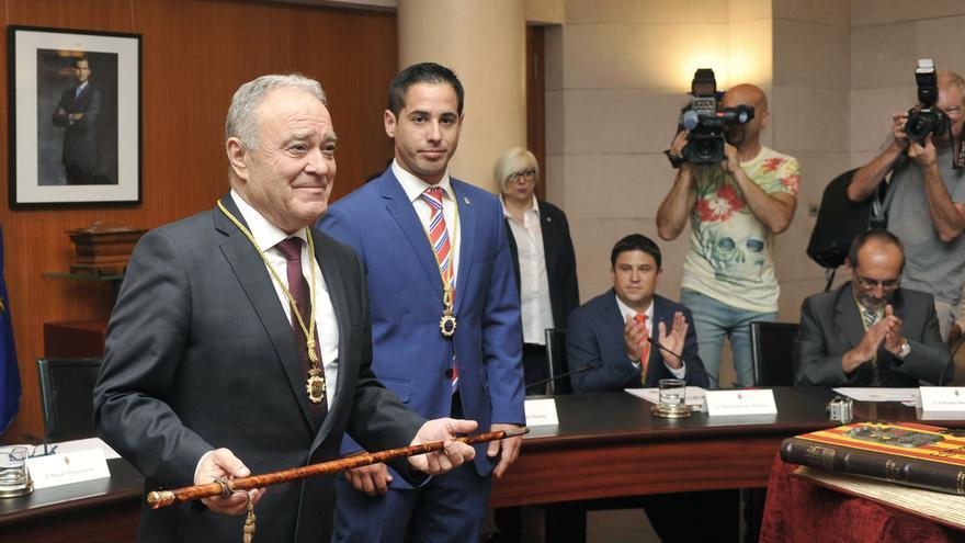 Miguel Gracia ha sido investido como presidente de la DPH por segunda legislatura consecutiva.