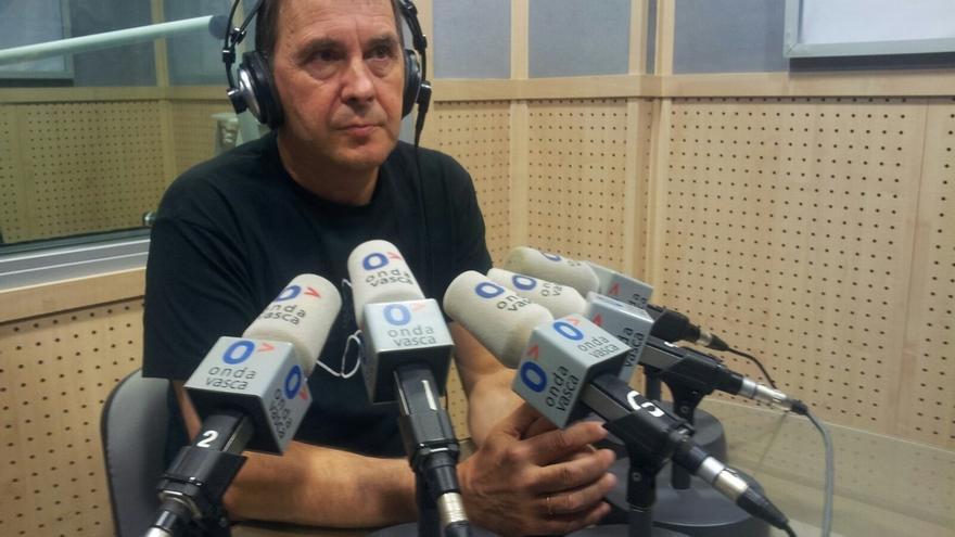 """Arnaldo Otegi apoya a la alcaldesa de Berga: """"Sonreíd que ganaremos"""""""