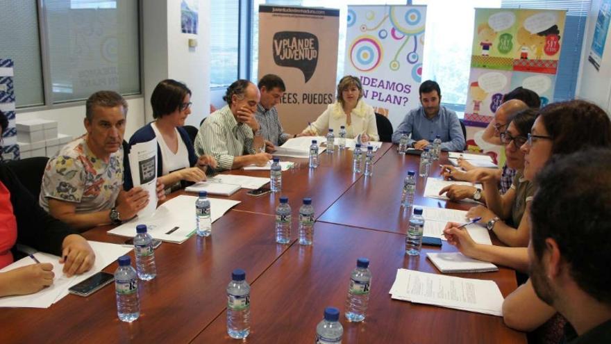 Reunión del Comité Extremeño contra el Racismo y la Xenofobia con la fiscal de Tutela Penal de la Igualdad y contra la Discriminación de la provincia de Cáceres, Carmen Barquilla / Junta