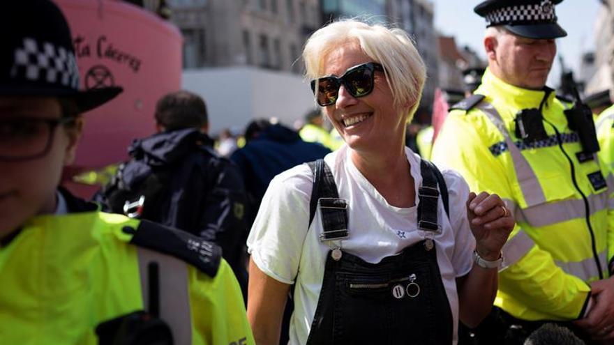 Los ecologistas trasladan sus protestas al aeropuerto de Heathrow