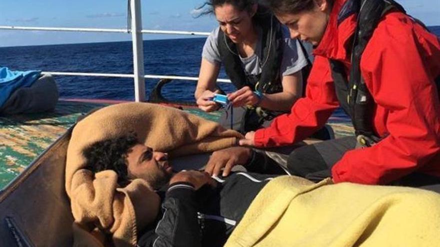 """Pesquero """"Nuestra Madre Loreto"""" regresa a España con 11 migrantes"""