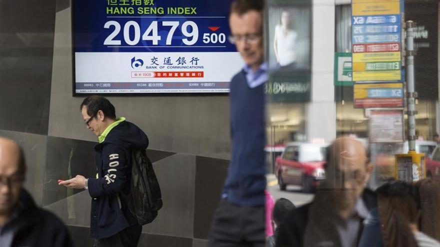 La Bolsa de Hong Kong baja un 0,29 % a media sesión
