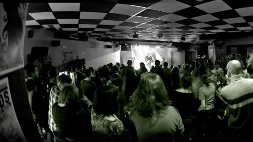 Concierto en la sala Black Bird de Santander.