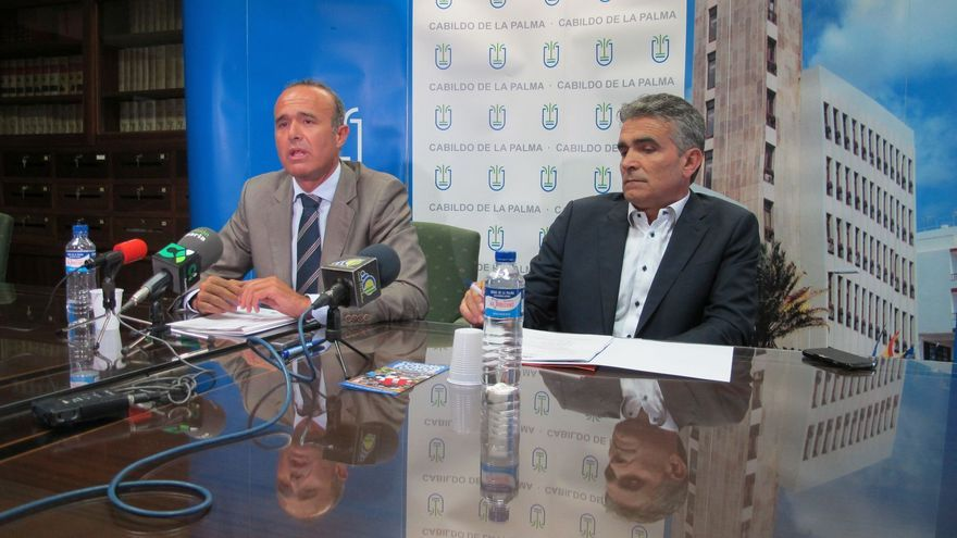 Raúl Camacho (izquierda) y Óscar León, este lunes en rueda de prensa.