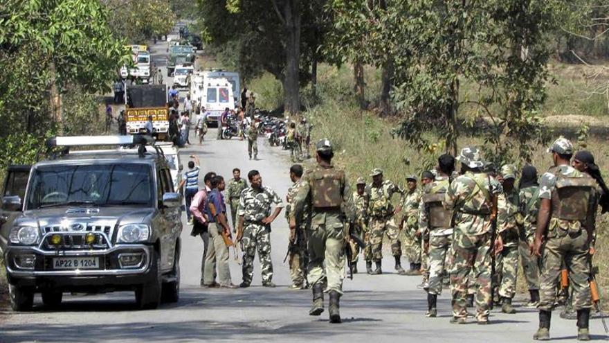 Al menos 24 policías mueren en una emboscada maoísta en el este de la India