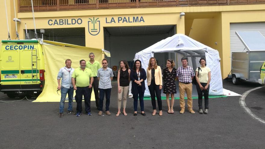 El puesto de mando avanzado (PMA) del Centro de Coordinación Operativa del Plan Insular (Cecopin) de La Palma  cuenta con una nueva carpa para la oficina de gestión, mobiliario, generación eléctrica y dos equipos informáticos.
