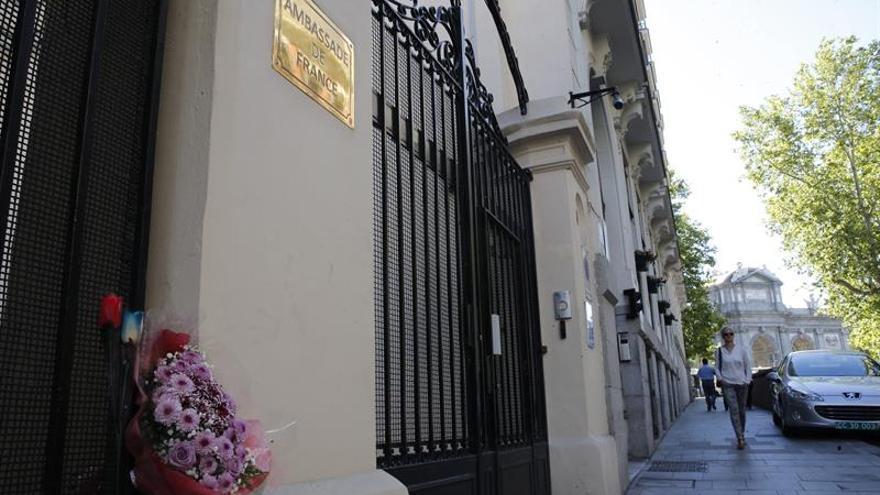La embajada francesa de Madrid habilita un número de información sobre el atentado Niza