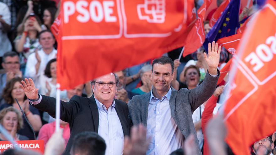 Pedro Sánchez y Ángel Gabilondo en un acto de la campaña del 26M