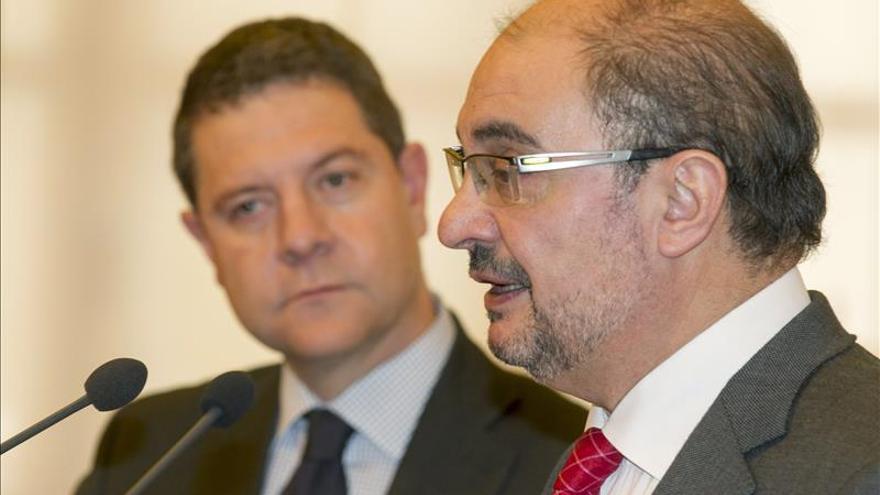 """Lambán y Page creen que Rajoy no merece la """"actitud noble"""" de Pedro Sánchez"""