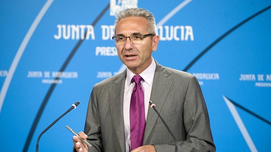 """La Junta de Andalucía urge al Gobierno una """"explicación clara"""" sobre el """"cambio de estatus"""" de la base de Morón"""