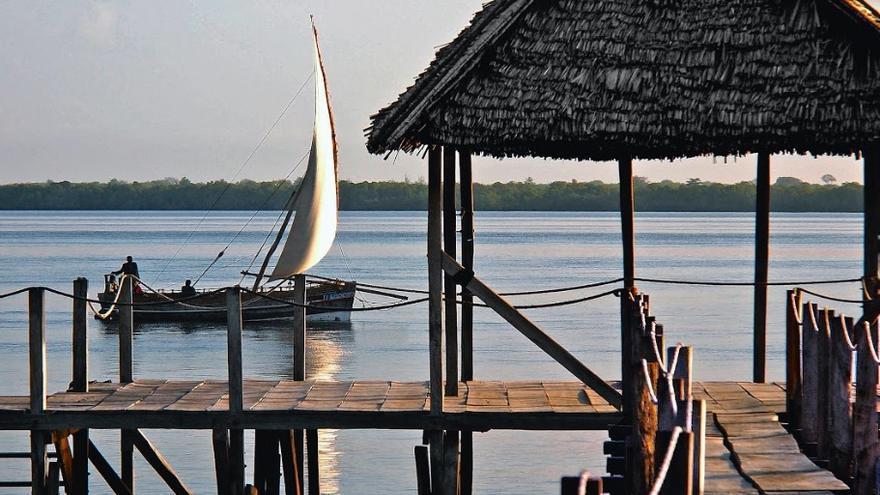 "Un ""dhow"" (embarcación tradicional) en Lamu, Kenia"