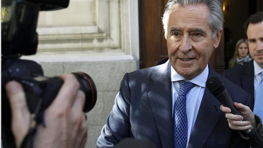 """La Audiencia Nacional avala investigar a Blesa por """"planear"""" las preferentes"""