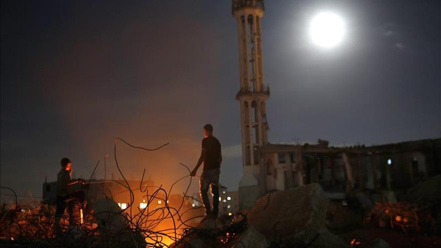 Dos muertas al derrumbarse su casa tras bombardeo israelí en Gaza
