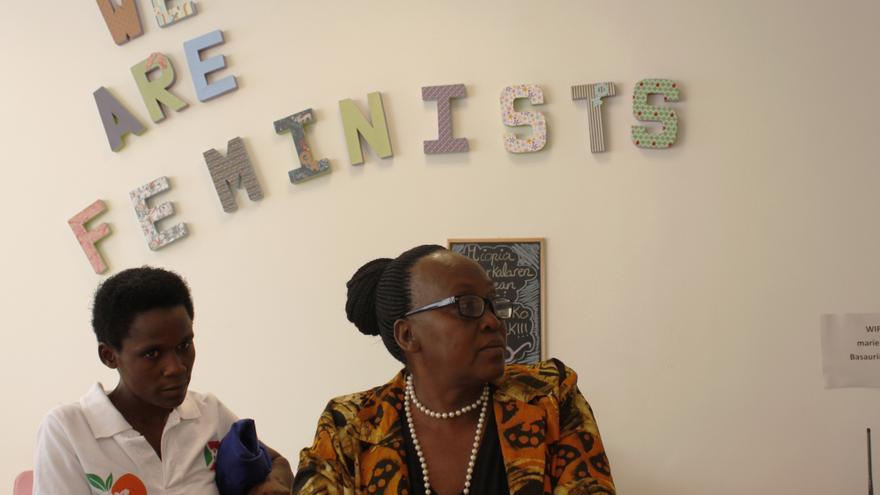 Aline Niyonizigiye (izda) y Dorotheé Buhangare, en Marienea, Basauri.