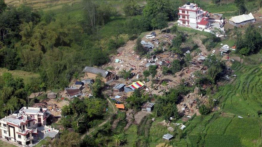 El primer ministro nepalí avisa que la llegada del monzón empeorará la crisis