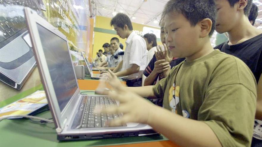 Ocho de cada diez niños y adolescentes argentinos usan Internet, según Unicef