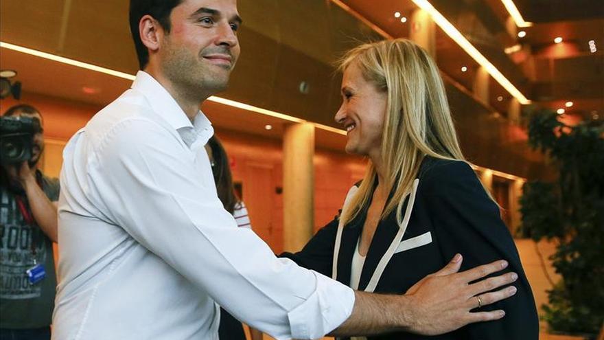 Cifuentes anuncia un principio de acuerdo con C's en la Comunidad de Madrid