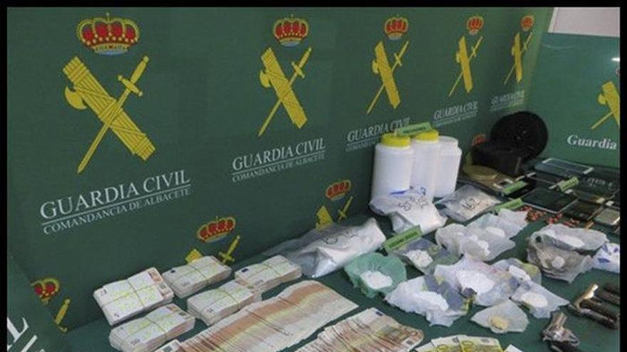13 detenidos y desmantelados 3 laboratorios de cocaína y plantación marihuana