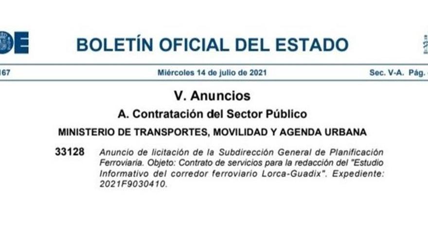Fragmento del BOE sobre la licitación del estudio informativo del corredor ferroviario Lorca-Guadix