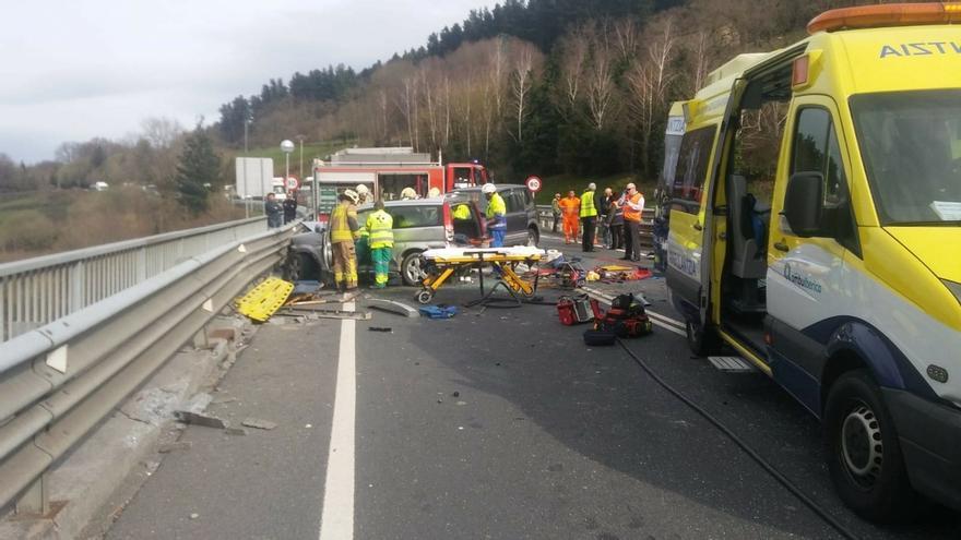 Aumentan un 4,5% la mortalidad y un 30% los heridos graves en las carreteras vascas en el primer semestre