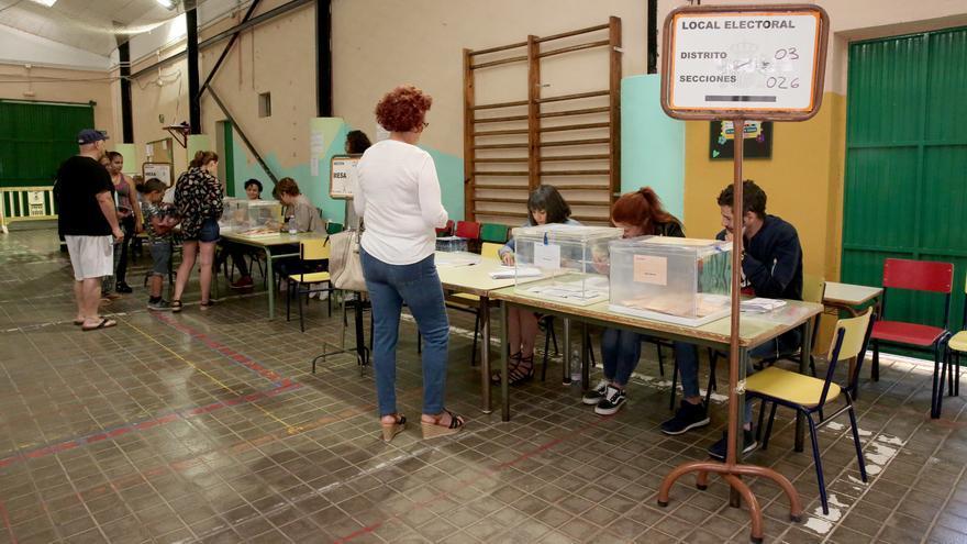 Colegio electoral en Gran Canaria.