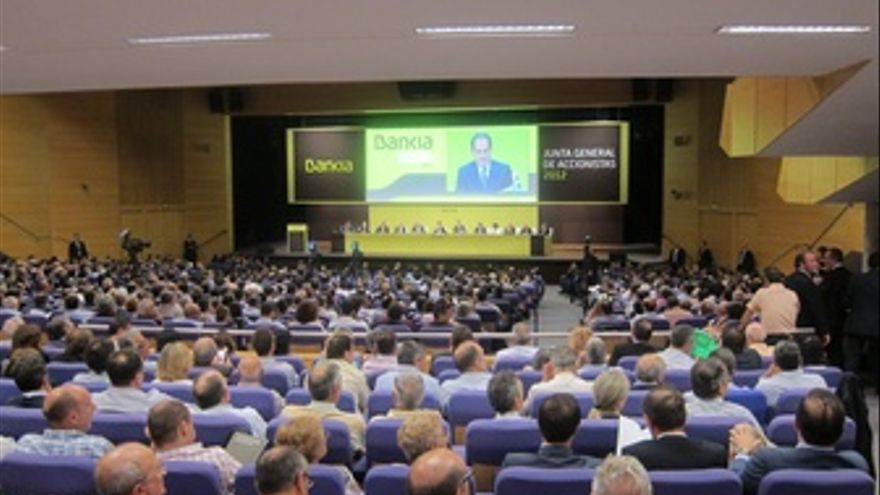 Junta De Accionistas De Bankia Que Se Celebra En Valencia