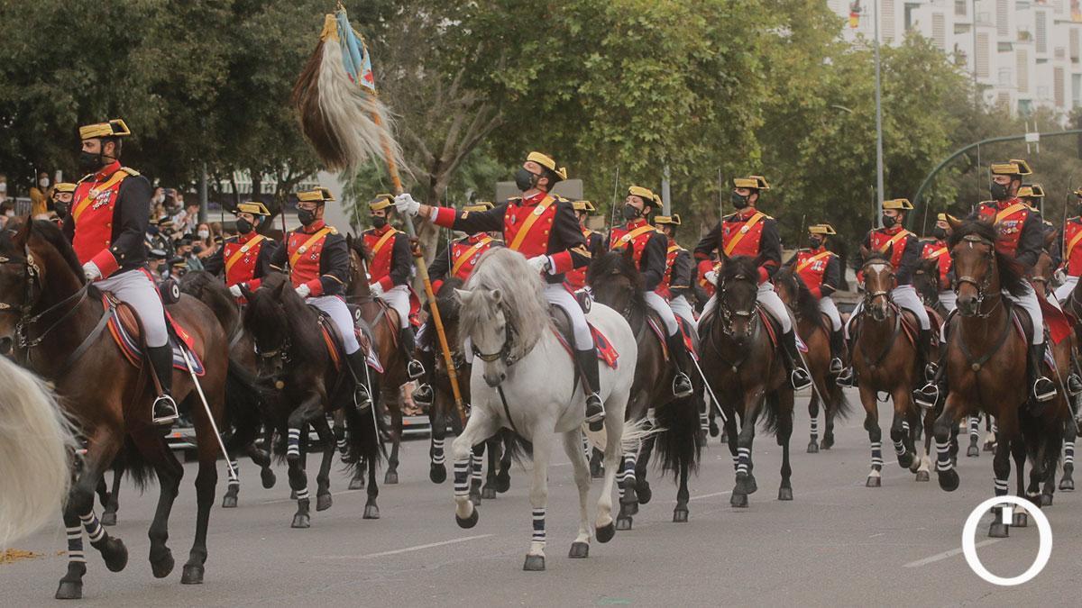Desfile de la Guardia Civil en Córdoba con motivo del 12 de octubre