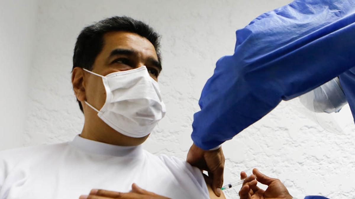Maduro recibió la primera dosis de la Sputnik V