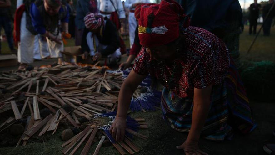 Los mayas de Guatemala claman por la Paz con un ritual ancestral