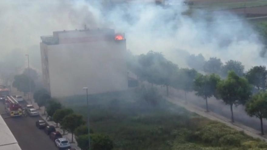 Imagenes del incendio Ronda Norte, San Roque / Twitter @SCIS_Ba_Libre