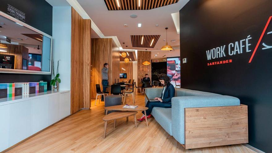 """Las """"Work Café"""" agrupan en un solo espacio físico un banco, un coworking, una cafetería de diseño y un espacio para conferencias gratuitas."""