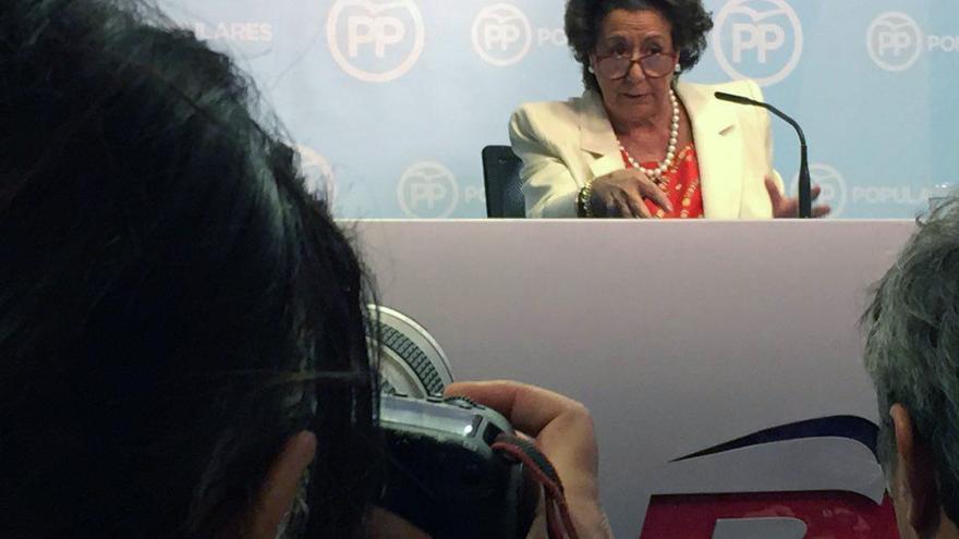 La exalcaldesa de Valencia, Rita Barberá, comparece ante los medios