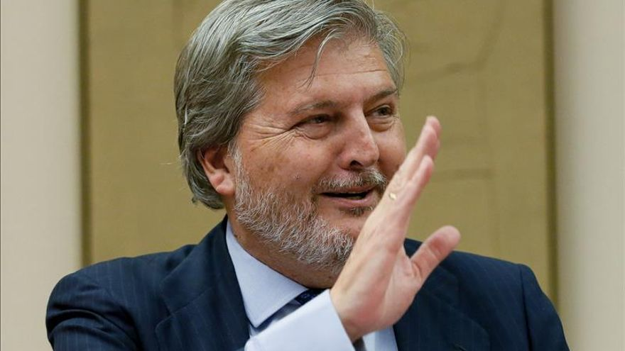Méndez de Vigo busca el apoyo de los docentes.