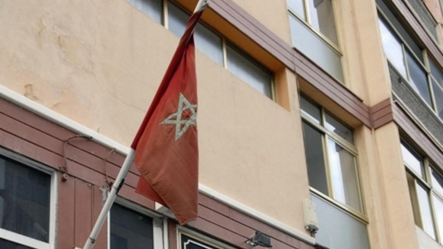 De la concentración de inmigrantes saharauis en el consulado de Marruecos #1