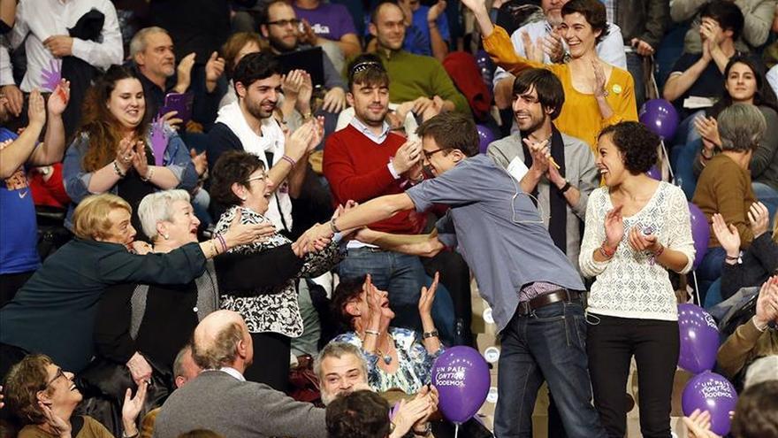 Errejón: Nadie puede poner la mano en el fuego por los candidatos del PP