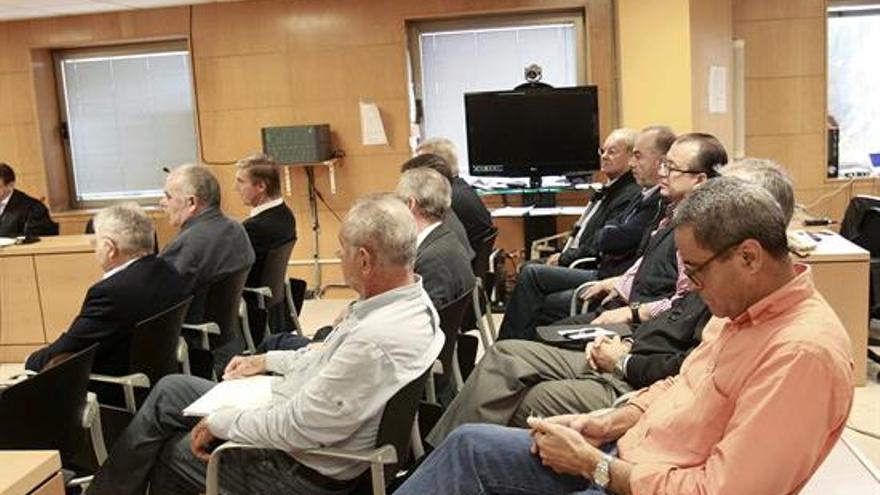 Los imputados en el caso de Las Teresitas, durante el juicio que se ha reanudado este miércoles