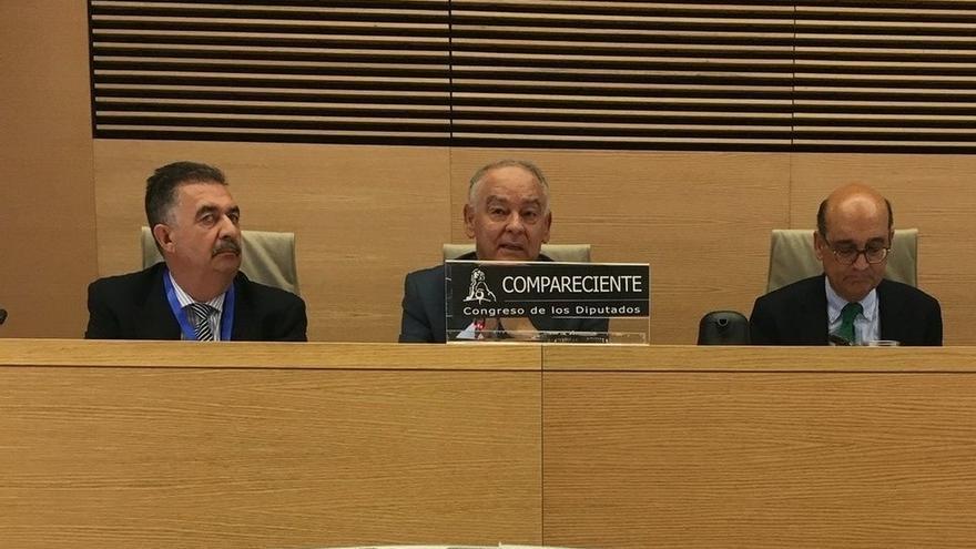 Eugenio Pino niega la existencia de una brigada política y elude dar detalles en el Congreso sobre Pujol o Trias