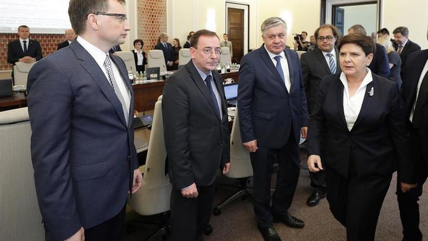 El gobierno polaco insiste en su reforma judicial pese al veto del presidente