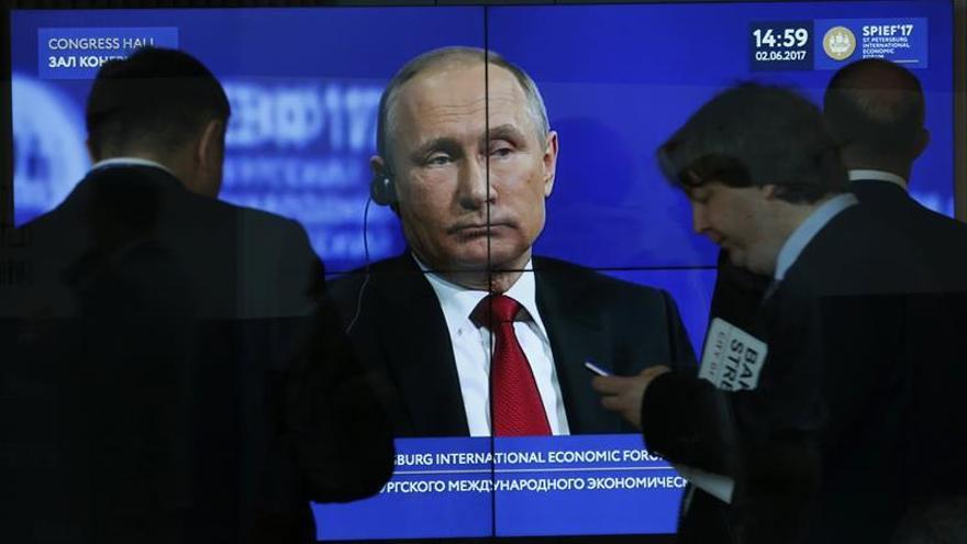Putin echa un cable a Trump con el cambio climático en medio de la conmoción