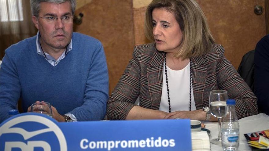"""Báñez asegura que menos impuestos """"siempre es más empleo y mejor"""""""