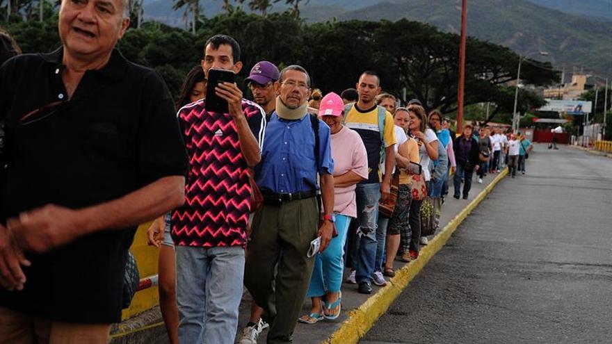 Anticipan el ingreso de venezolanos a Colombia para comprar víveres
