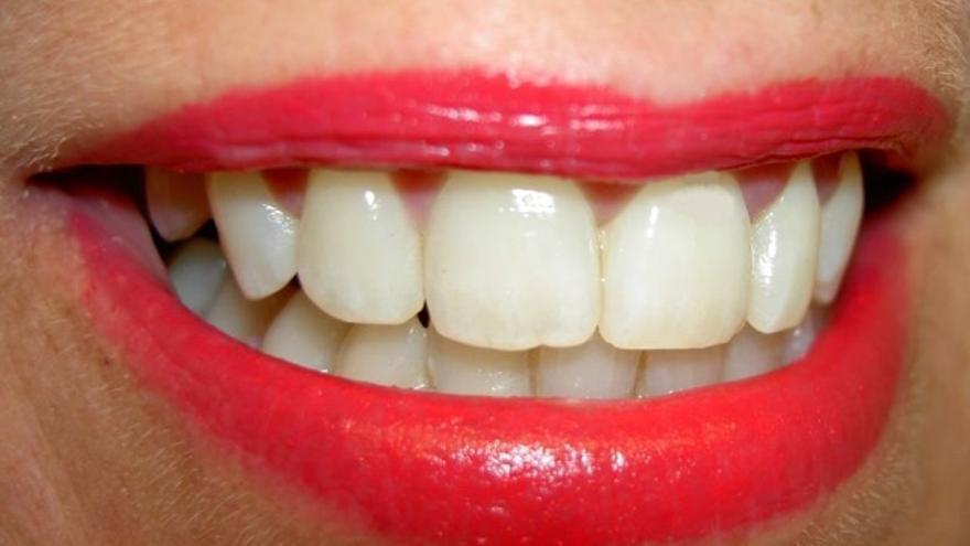 Esta es la razón por la que las pastas de dientes blanqueadoras son ineficaces