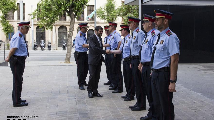 """Sindicatos de Mossos creen que la salida de Batlle da """"incertidumbre"""" y reiteran que cumplirán la ley"""